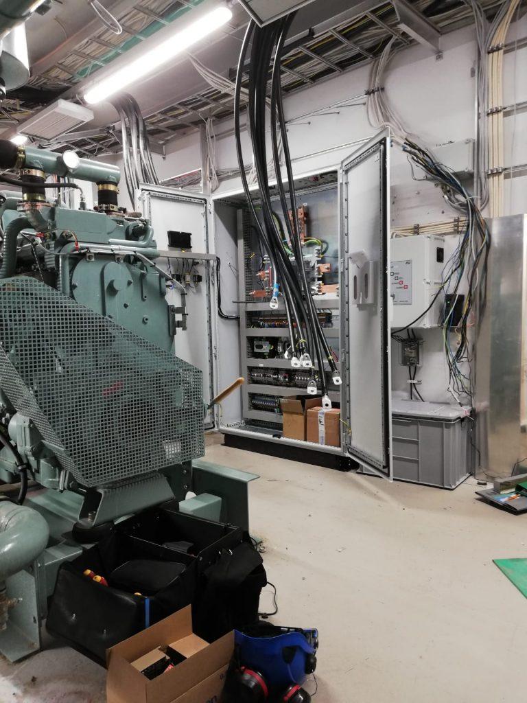 Dieselvoiman toimittama keskus varavoiman ohjaukseen.